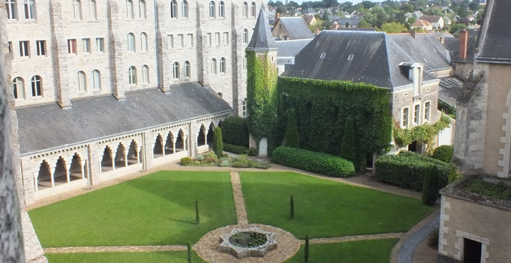 large cloister solesmes